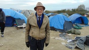 Email x1 harry leslie smith calais jungle 580x326